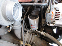Installing Fleetguard oil filter
