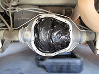 Cleaning differential housing